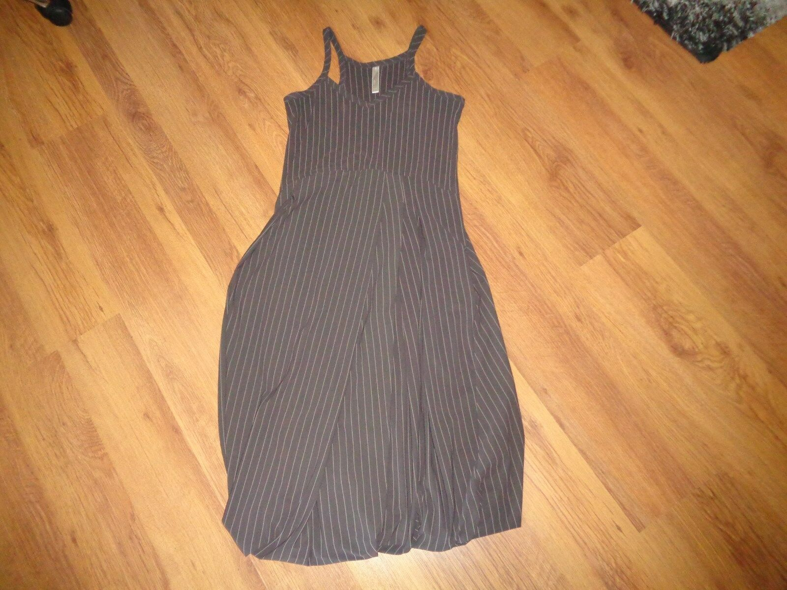 CREA CONCEPT STRETCH NYLON STRIPED BUBBLE HEM STRAPPY DRESS-SIZE 40