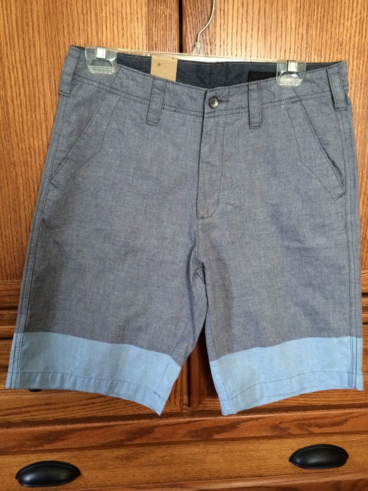 DKNY JEANS Mens Shorts   NWT   Size 32  MSRP