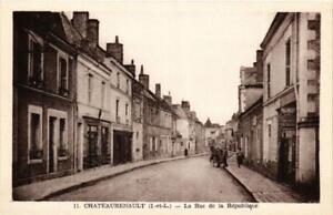 CPA-Chateaurenault-La-Rue-de-la-Republique-611882