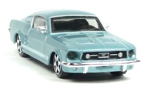 Nuevo-1964-Ford-Mustang-modelo-de-coleccionista-azul-claro-metalizado-aprox-1-43-articulos-nuevos
