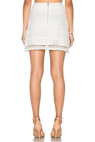 Elliatt Canvas SkirtWhite lace and fringing Stretch Layer Mini skirt with Zip
