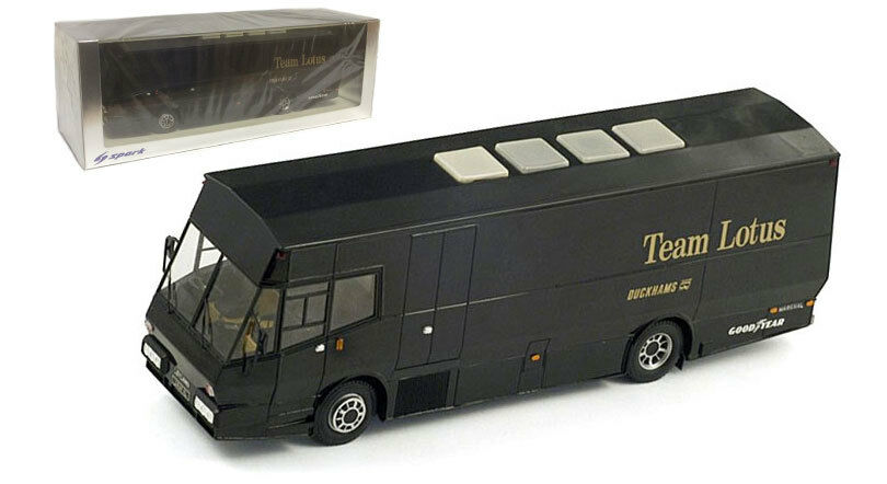 Spark S0272 Lotus F1. 'JPS Square' Team Race Transporter - 1 43 Scale