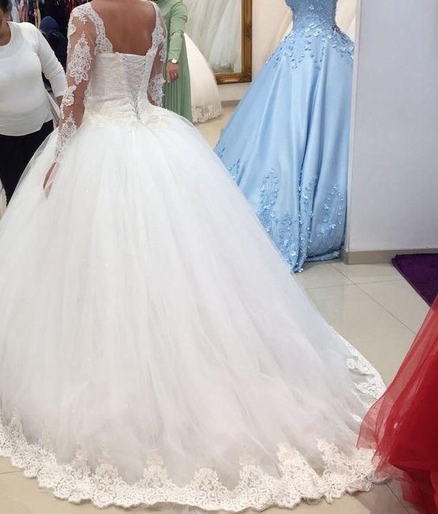 Neuwertiges Neuwertiges Neuwertiges Prinzessinen Brautkleid mit passendem Schleier (Größe XS-M) 4f5e91