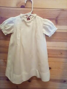 VINTAGE-ANTIQUE-HANDMADE-WHITE-TODDLER-DRESS-LACE-COLLAR-amp-SLEEVES-EARLY-1900-039-S