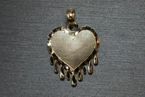 10K Solid Yellow Gold Diamond Cut Bleeding Love Tear Drop Heart Charm Pendant.