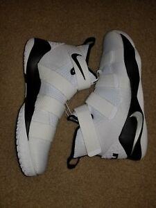 fc77358f8a22 New Sz 13.5 Men s Nike Lebron Soldier XI 11 TB Promo White Black ...