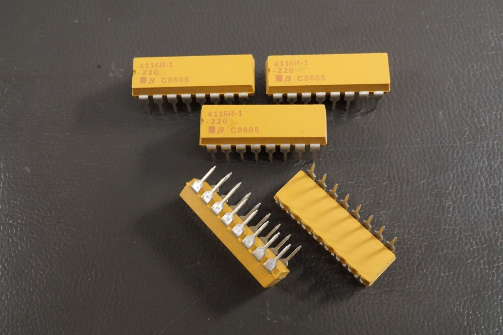 Lot of 7 4116R-1-220 Bourns Thick Film Molded DIP Resistor 22 Ohm 2.25W 2 1//4W
