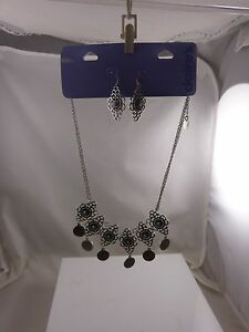 elegant-necklace-earring-set-necklace-gothic-victorian-look-very-pretty