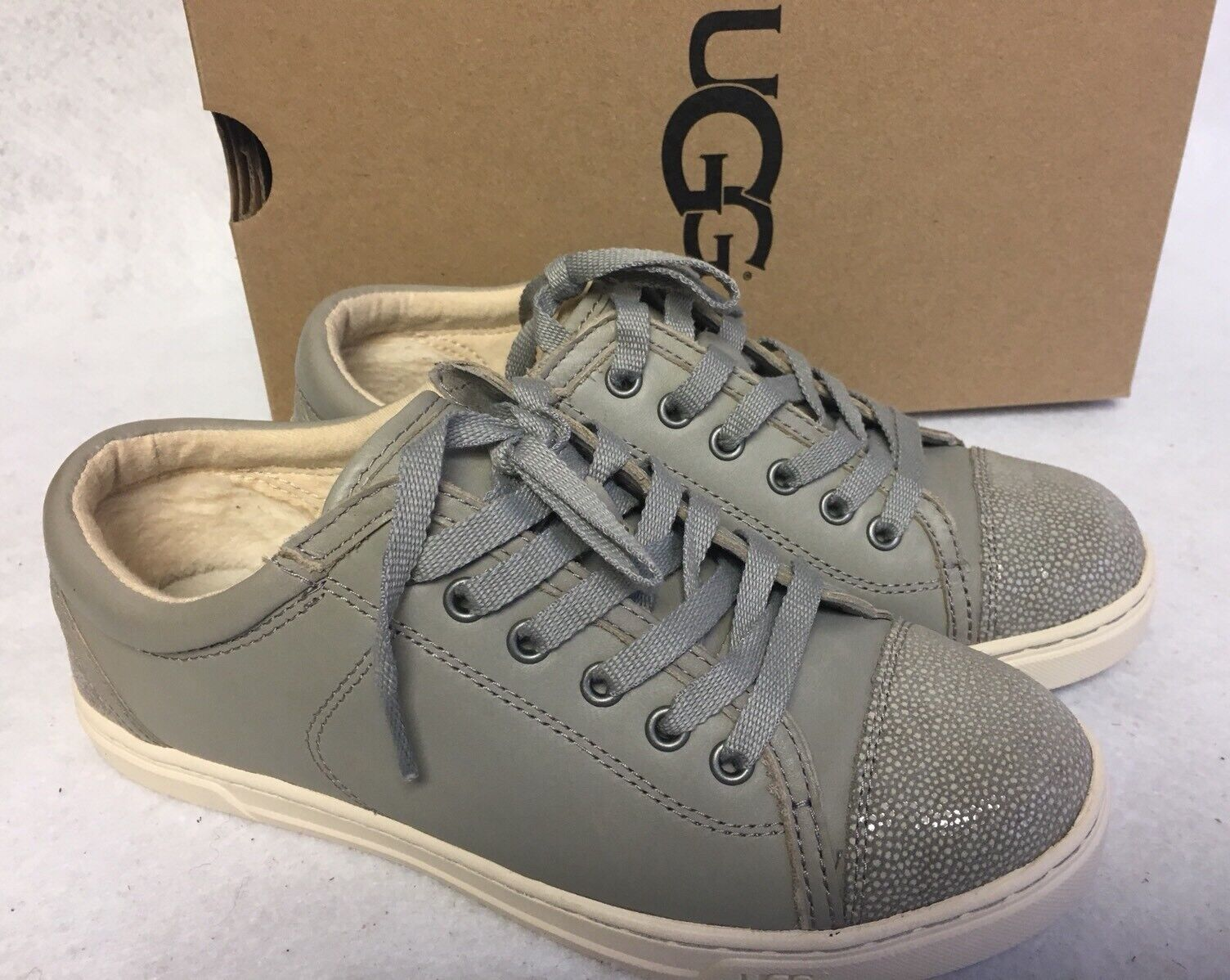 UGG Australia TAYA Oyster CUIR FASHION SNEAKERS WOMENS 1006828 Chaussures à lacets