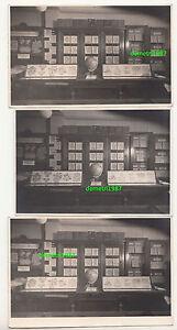3-x-Foto-Briefmarken-Geschaft-um-1950-Theke-Laden-stamps-shop-F2027