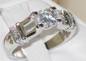 r219-1-85ct-WOMENS-SOLITAIRE-REALISTIC-elegant-SIMULATED-DIAMOND-RING-PRETTY