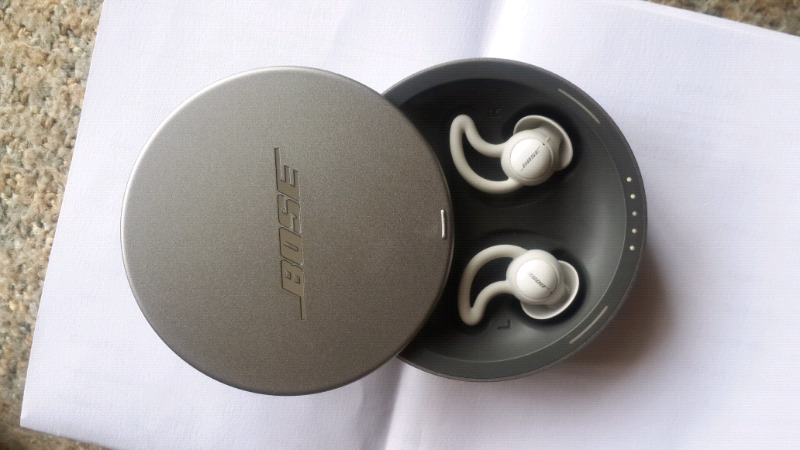 Bose noise masking sleepbuds in perfect condition