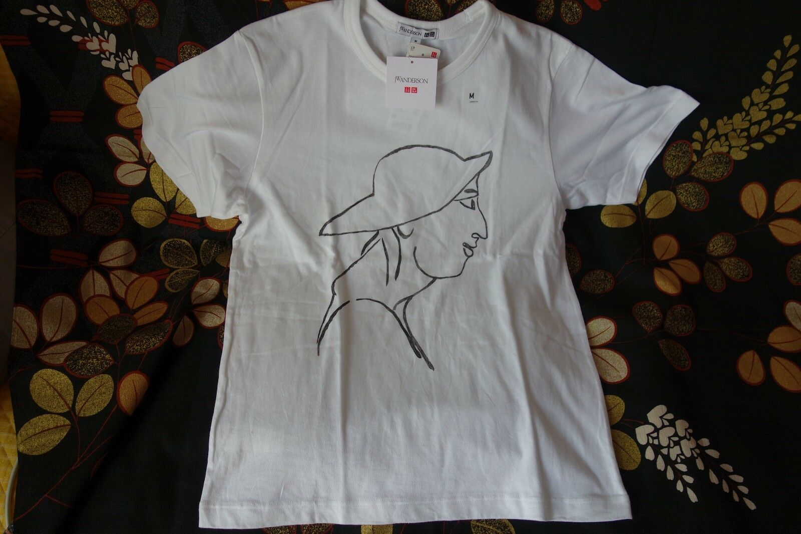 JW ANDERSON X UNIQLO Men's T-Shirt Handwriting style Very Rare Sold Out Item