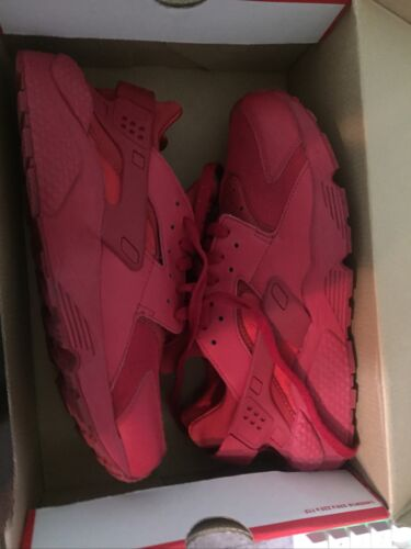 Nike Hurache Size 10 Red