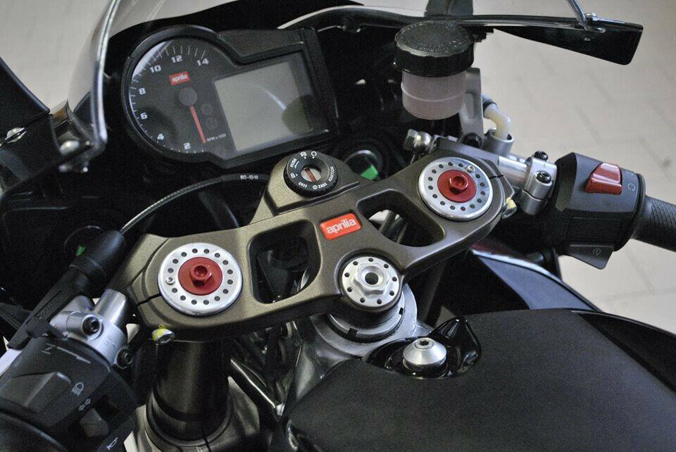 Melotti Racing Universal Aluminium LED Indicators Turn Signals