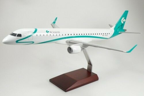 Air Dolomiti Embraer ERJ195 IADJK Desk Top Display Jet Model 172 AV Airplane