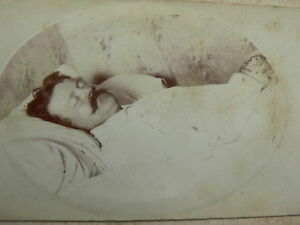 1885-French-Post-Mortem-CDV-Photograph-Man-Dressed-All-in-White