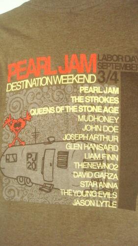 Pearl Jam Concert Band Tshirt Tee S Strokes Queen