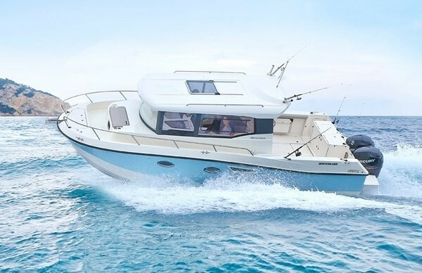 Quicksilver 905 Pilothouse, Motorbåd, skrog: glasfiber,…