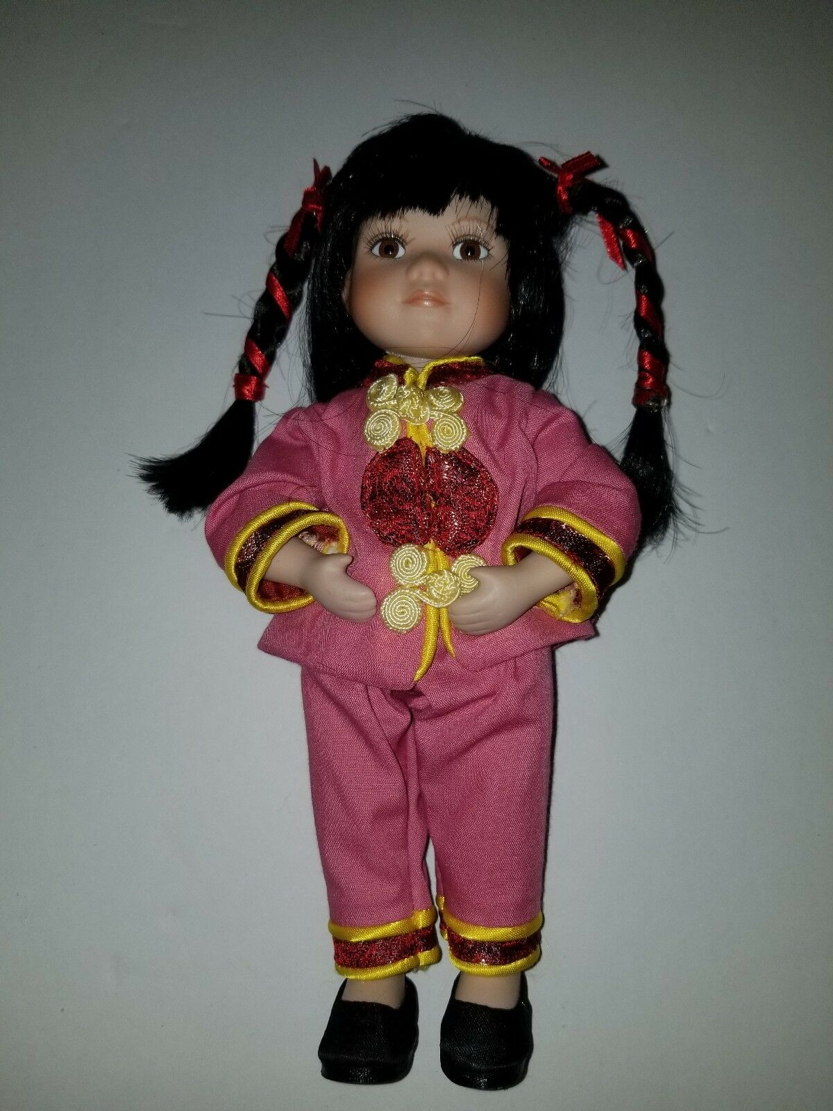 GEPPEDDO  COLLECTORS Series Porcelain bambola  LING LING..RARE   In great Condition  100% nuovo di zecca con qualità originale