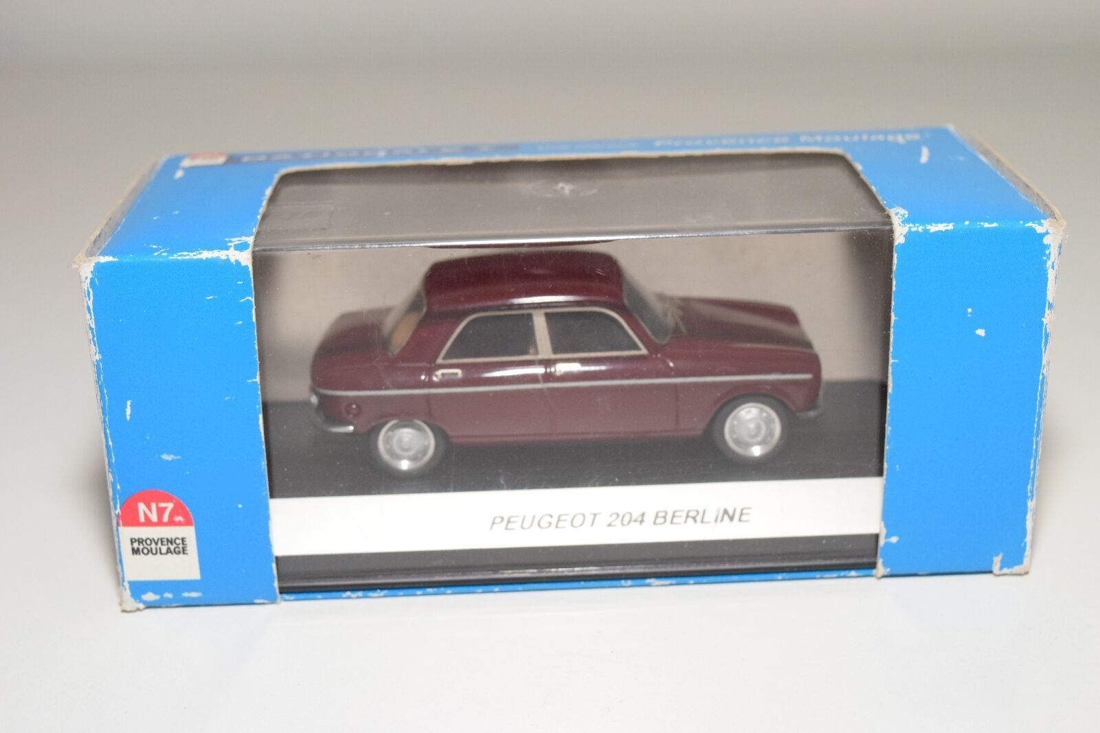 . PROVENCE MOULAGE N042 PEUGEOT 204 BERLINE MAROON MINT BOXED