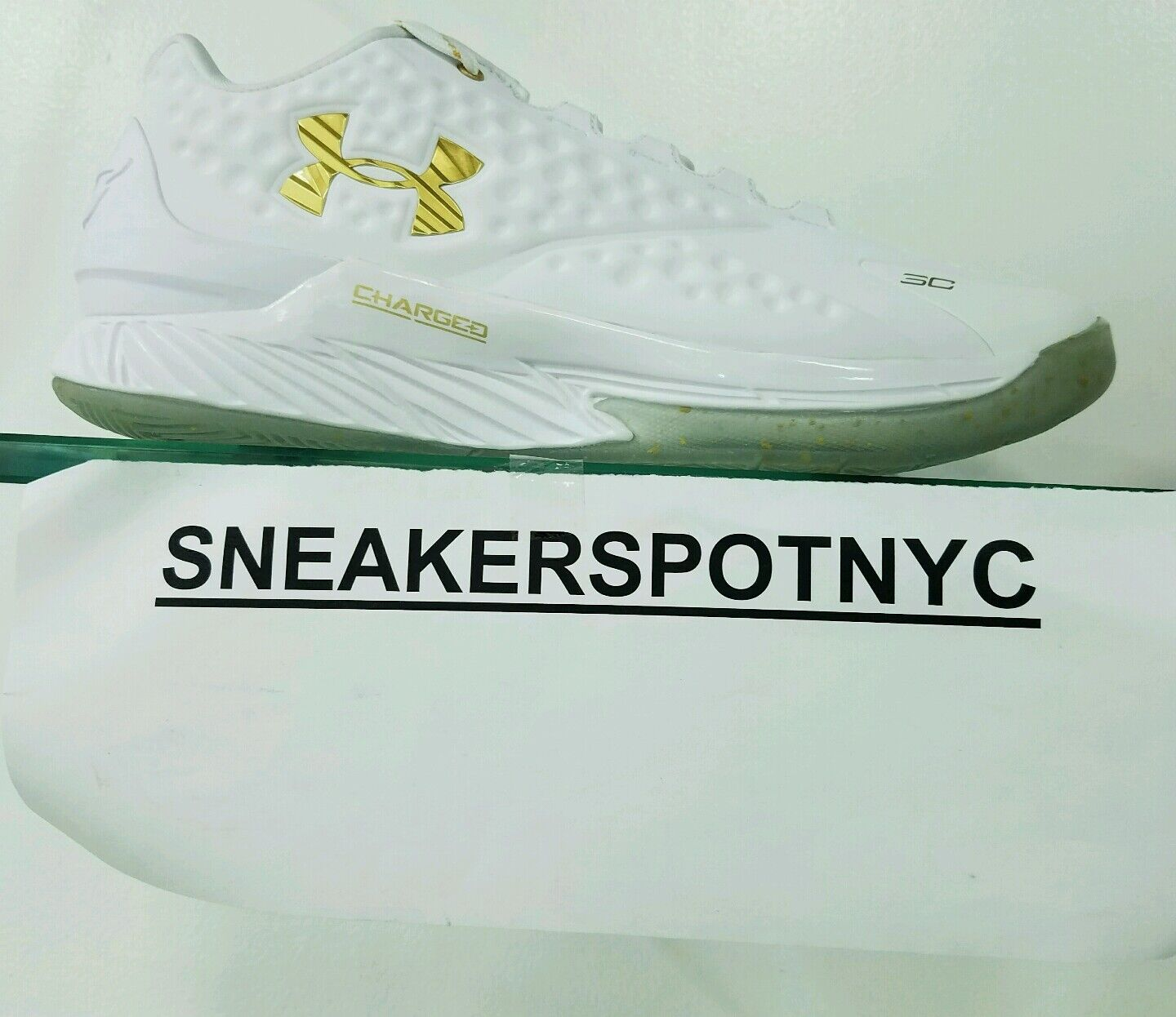 UA WHITE/GOLD CURRY LOW