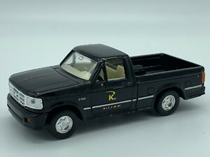 Road Signitures Ford F-150 Shortbox Diecast Truck Black
