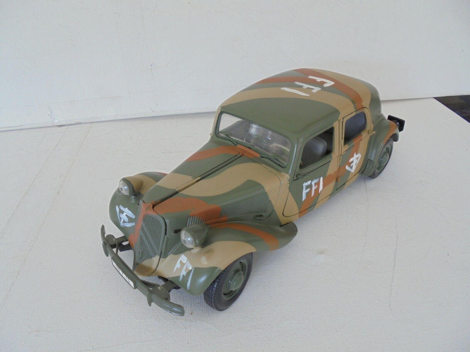 1 18 Maisto Citroen 15 CV 6 6 6 Cyl '52 FFI Camouflage  RARE OHNE OVP 80e7ad