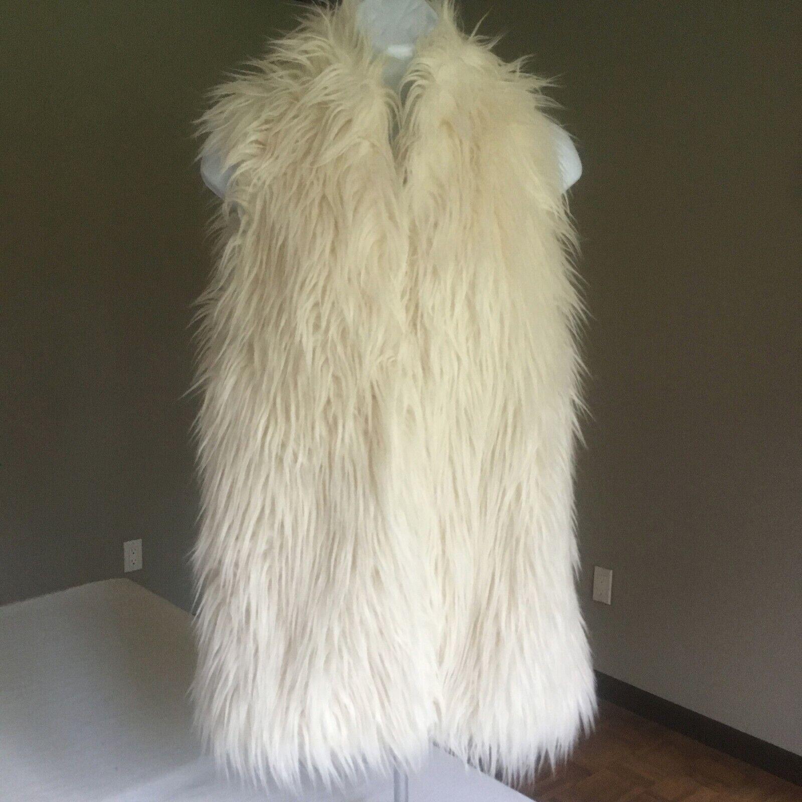 Andrea Behar White Shaggy Faux Fur Vest. XS. Double Clasp. Boho.