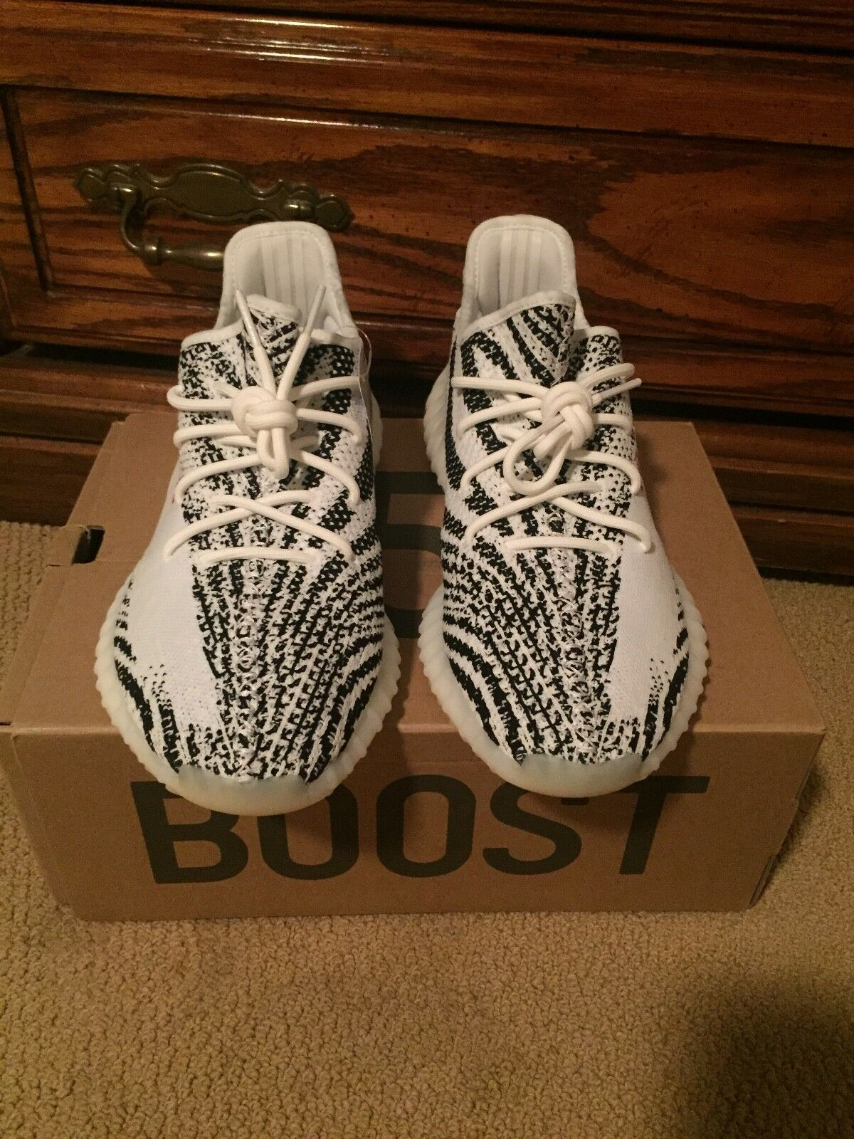 ADIDAS YEEZY BOOST 350 V2 size 11. 11. 11. WHITE BLACK RED ZEBRA. 100% AUTHENTIC e734d7
