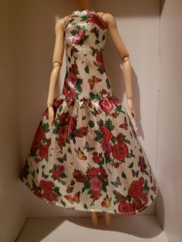 BARBIE DOLL CREAM COLORED SATIN EVENING GOWN WITH RED ROSES