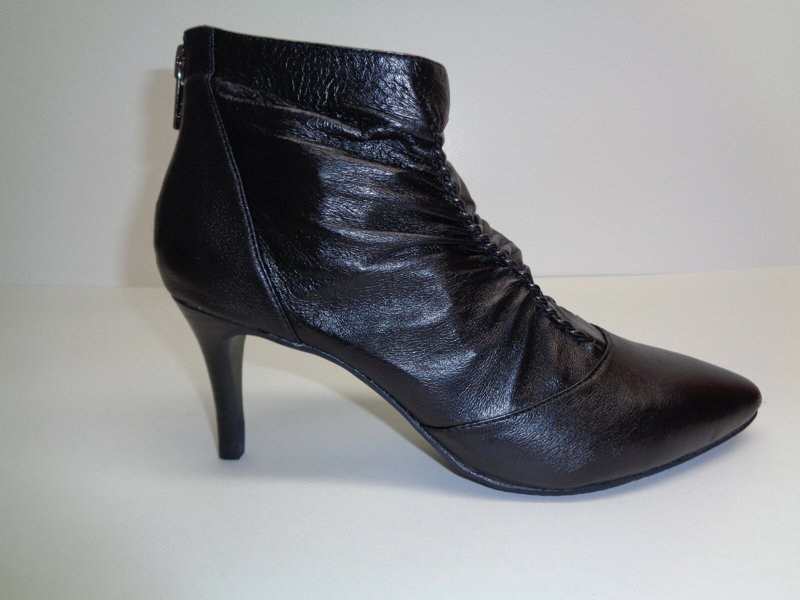 Adrianna Papell Size 8.5 M NIKKI Black Leather Ankle Boots New Womens Shoes