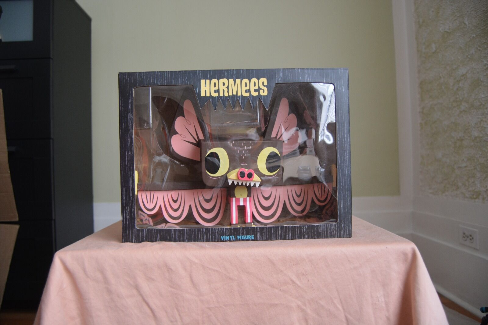 Hermees Gary Ham Vinyl Bat Figure pink signed box cute kawaii funny quirky