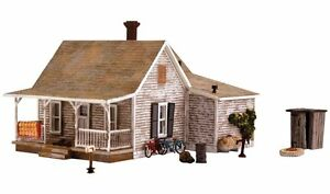 Woodland-Scenics-BR5040-HO-Scale-Old-Homestead-Structure-Built-amp-Ready
