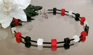 Würfelkette Würfel Perlen 8x8 matt SCHWARZ WEISS ROT + Stäbchen schwarz