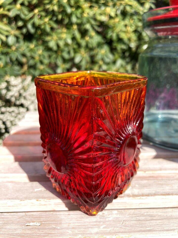 Andet, Røde glas og køkkenting