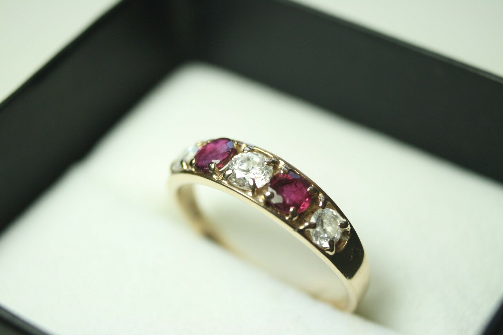 100% Genuine 9k Solid Yellow gold Natural Purple Sapphire Ring Sz 8 US