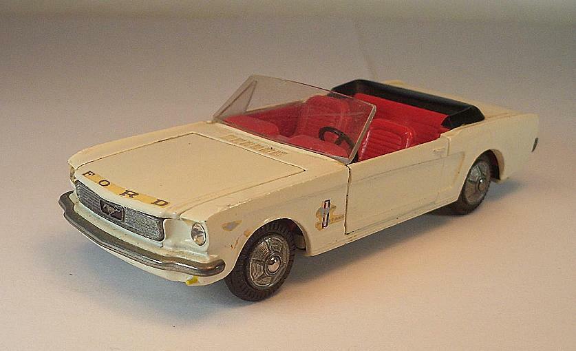 Tekno Denmark No. 833 Ford Mustang Convertible blanc   6745  grand choix et livraison rapide