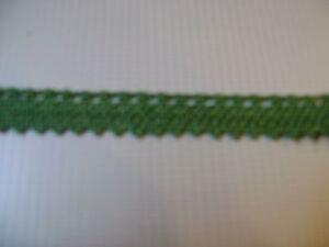 12-metres-de-galon-ancien-ajoure-d-039-un-cote-larg-9-mm-coloris-vert-kaki-N-267