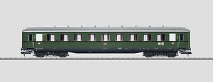 Maerklin-58144-Schuerzen-Schnellzugwagen-2-Kl-B4uewe-DB-Ep3-gruen-neu-OVP