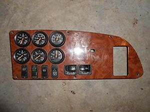 Pertrbilt-387-Dash-panel-with-6-gauges-and-6-switches