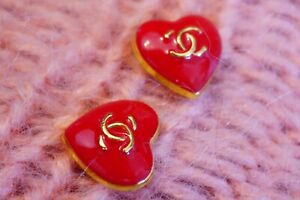 2-Two-STAMPED-VINTAGE-CHANEL-BUTTONS-2-pieces-Red-amp-Gold