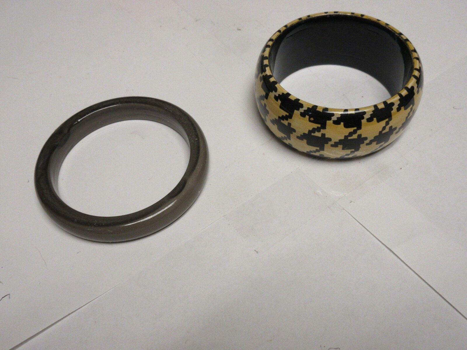 "Costume Jewelry , Bracelets , Lot of 2 , 2 1/2"" Opening"