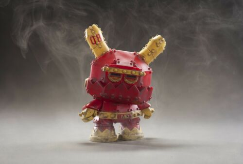 2016 KidRobot Mecha Stealth 8 in Vinyle Dunny par Frank Kozik NEUF jamais ouvert! environ 20.32 cm