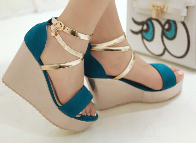 Women's sandals with choc 10 cm and Plateau 4 cm bluee colour and gold cod. 8225
