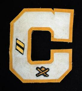 VINTAGE-1970-039-S-SCHOOL-BASEBALL-LETTER-GOLD-AND-WHITE-PATCH-5-1-2-034-X-6-1-2-034