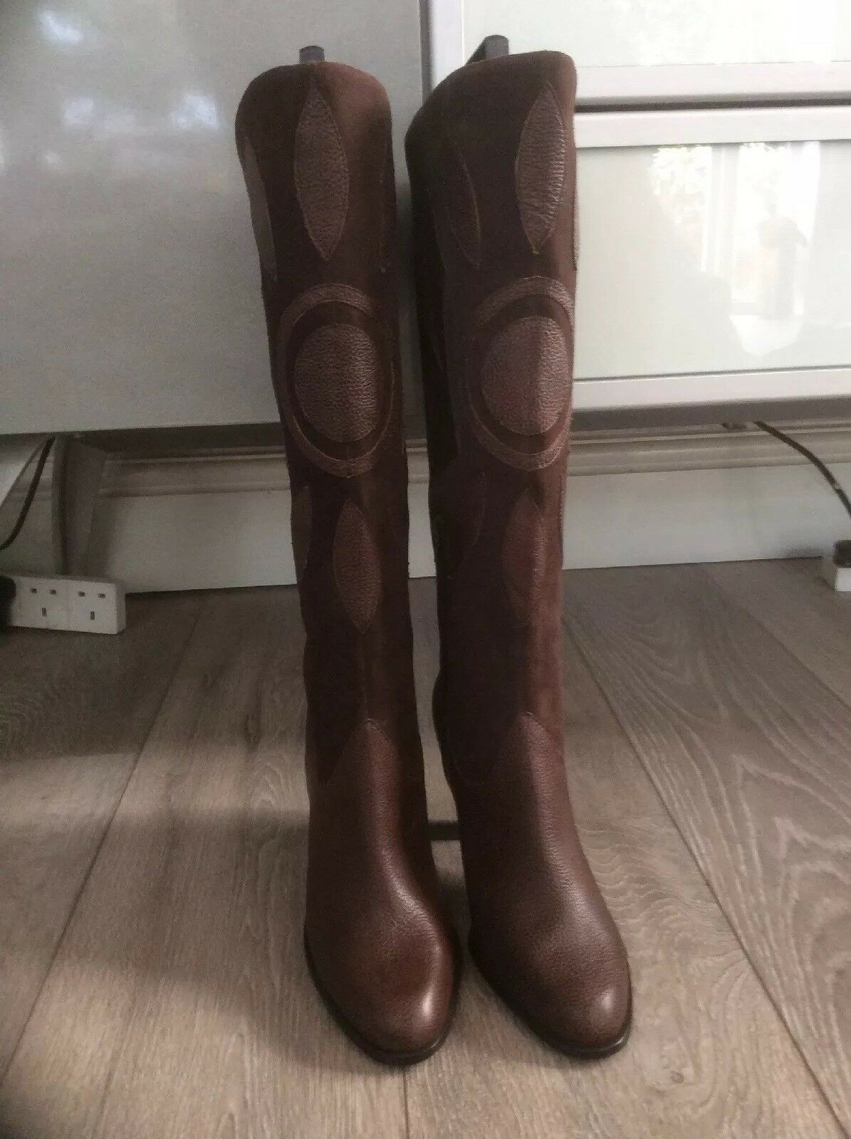 Marks and Spencer Marron Cuir Daim Bottes Hautes. taille 4.NEW withtags.