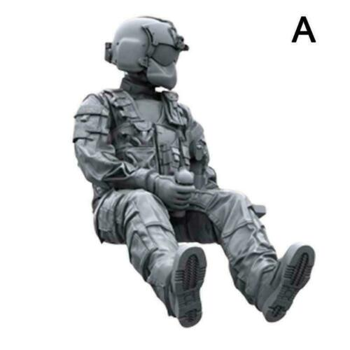 1//35 resin soldier helicopter crew UK M6V3
