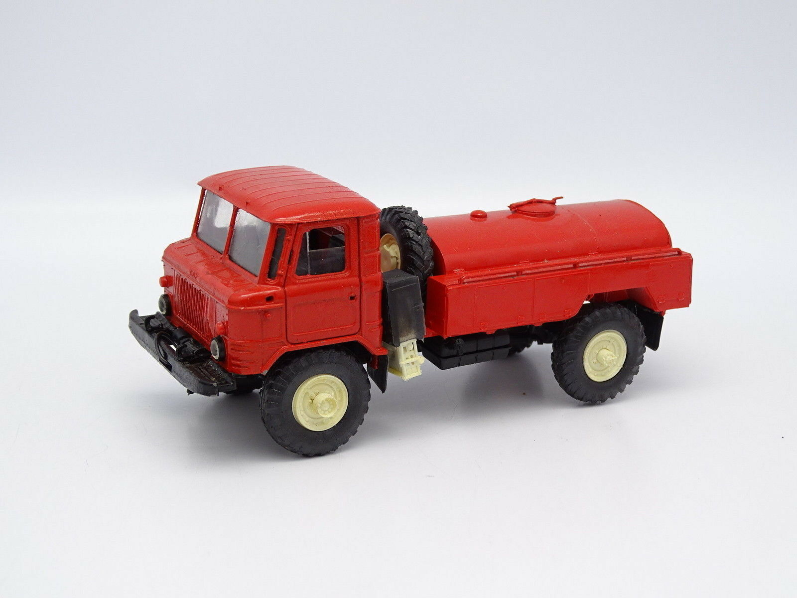 USSR SB 1 43 - Camion Gaz 66 Citerne Pompiers Russie