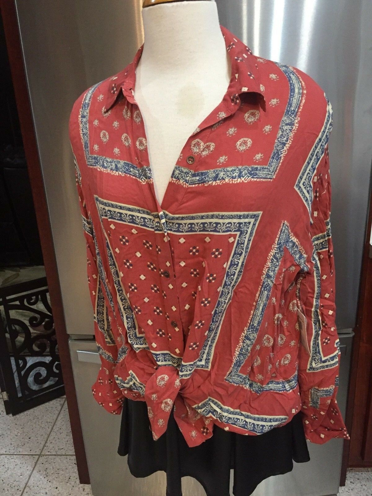 NEW FREE PEOPLE SZ XS APRICOT BUTTON UP LONG SLEEVE TOP BLOUSE COLLAR